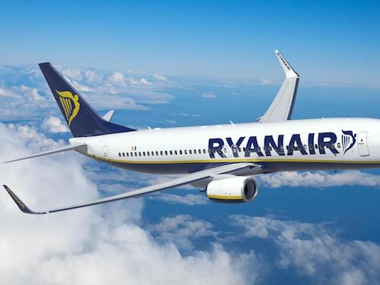 Ryanair Wants Morning Drinking Banned in Airports