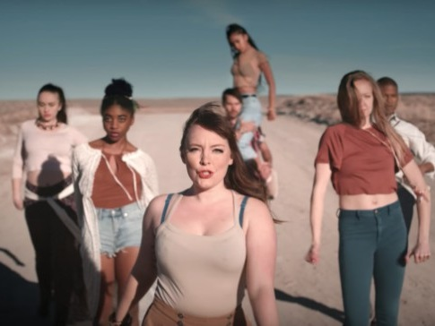 """Sylvan Esso – """"PARAD(w/m)E"""" Video"""