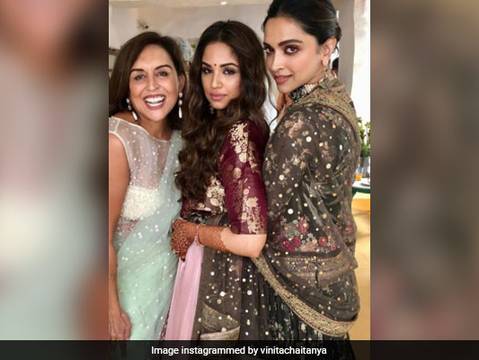 This Pic Of Deepika Padukone From A Friend's Wedding Is Crazy Viral