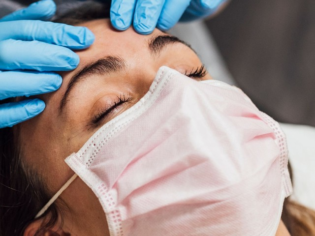 Inside The Secret World Of Canada's Underground Pandemic Beauty Salons