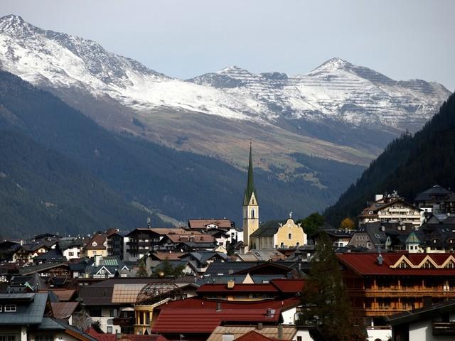 Trial begins over COVID outbreak in Austrian ski resort