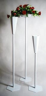 Sølvlakkert blomsterstativ, oasisskål