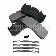 RENAULT MAGNUM & VOLVO FE, FH & FM BRAKE PAD SET C/W FITTING KIT