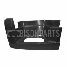 BLACK LOWER STEP SURROUND PASSENGER SIDE LH
