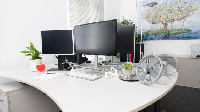 Schreibtisch frei!
