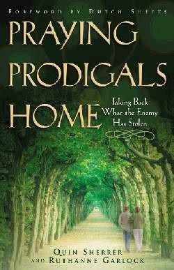 Praying Prodigals Home (Paperback)
