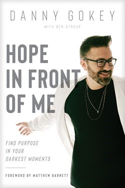 Hope In Front Of Me (Paperback)