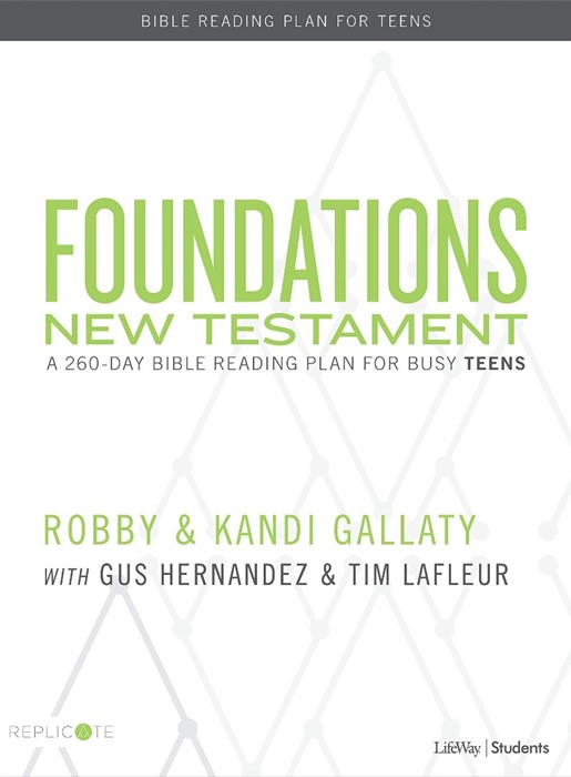 Foundations New Testament Teen Devotional (Paperback)