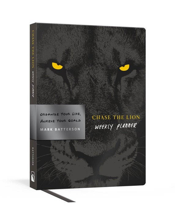 Chase the Lion Weekly Planner (Diary)