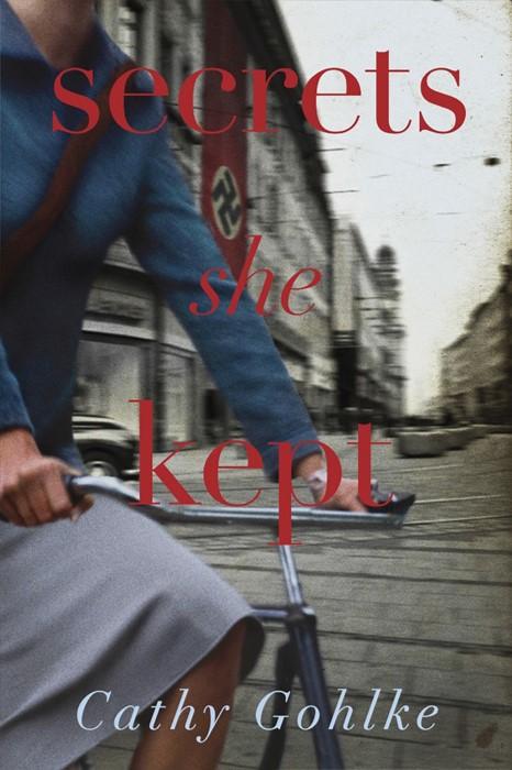 Secrets She Kept (Paper Back)