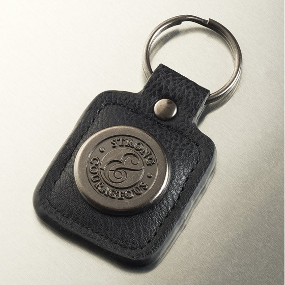 Strong/Courageous Keyring in Tin (Keyring)