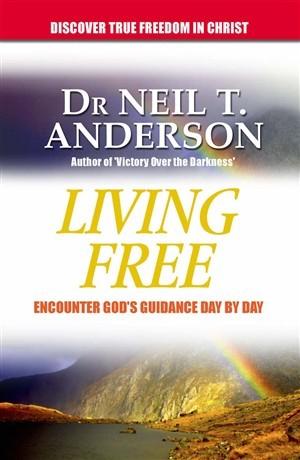 Living Free Omnibus (Paperback)