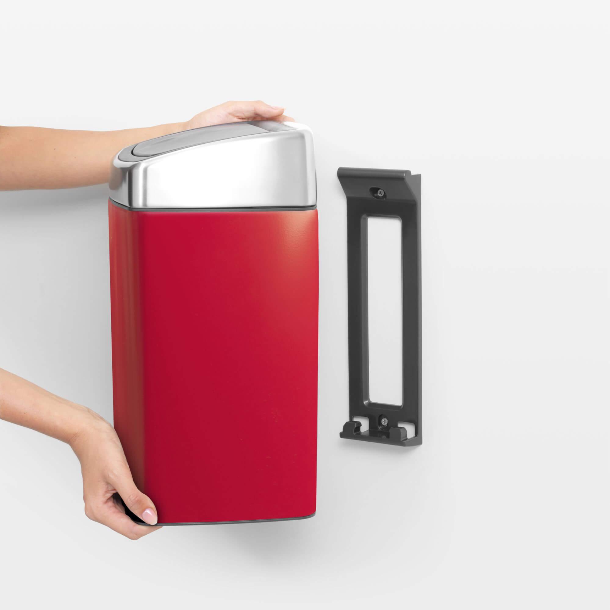 Prullenbak Brabantia Touch Bin 10 Liter.Brabantia Touch Bin 10 Liter Passion Red Brabantia Touch Bin 10 Liter Passion Red