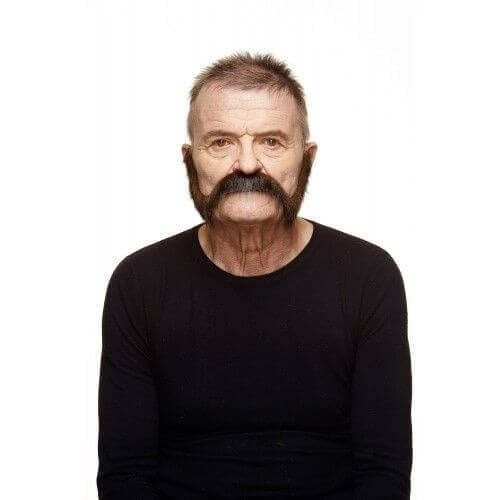 Snor Nigel bruin