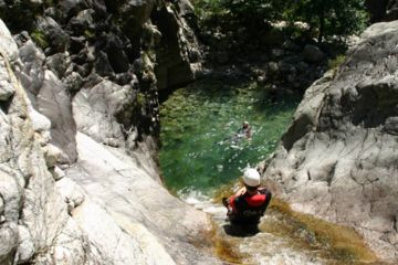 Canyoning ajaccio richiusa : the unmissable from 9 years-old