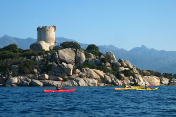 6 days active holidays in corsica for families : sea-kayaking, hiking and canyoning
