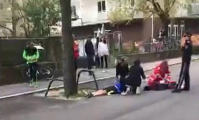 Vienna. Tragedia alla maratona: atleta crolla sull'asfalto e muore per arresto cardiaco