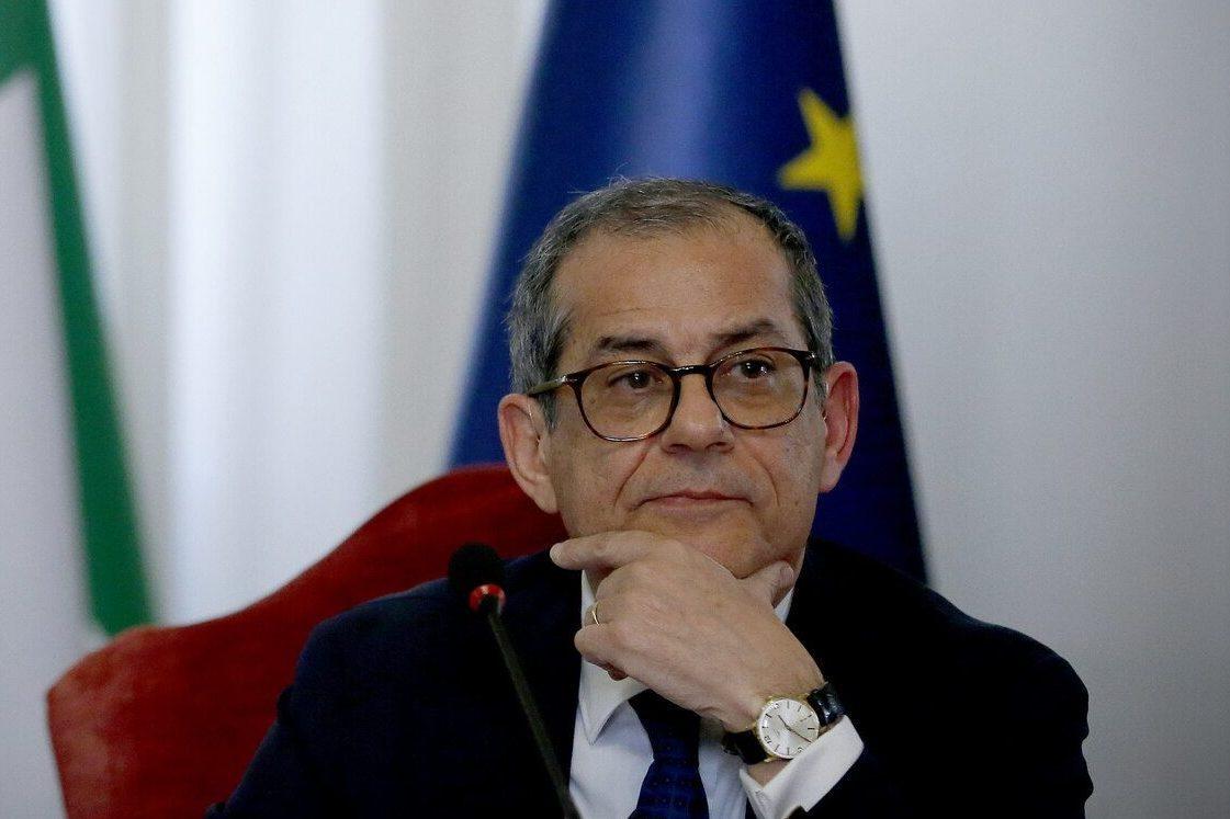 """Def, dubbi su flat tax e stop ad aumenti Iva. Giovanni Tria avverte: """"Servono coperture notevoli"""""""