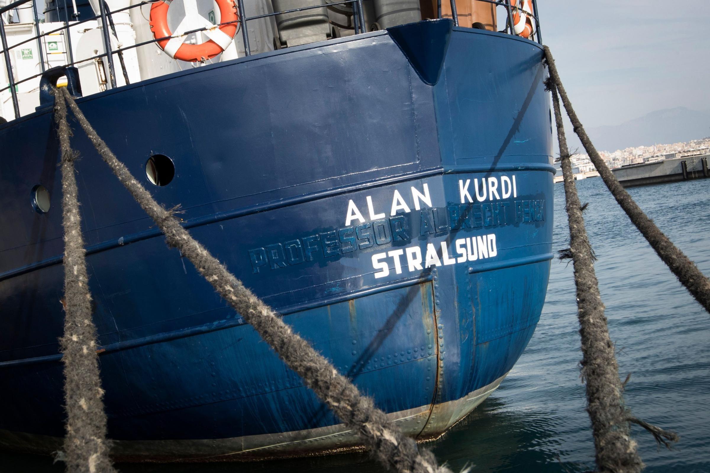 """Sea Eye, Alan Kurdi da 5 giorni in mare. L'appello a Malta: """"Tempo peggiora, Muscat ci aiuti"""""""