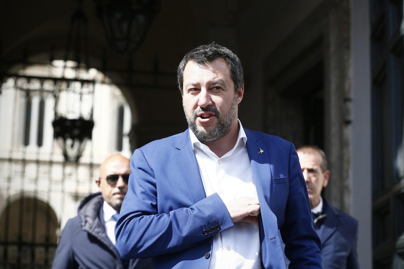 """Matteo Salvini assicura: """"L'Iva non aumenterà, i soldi della flat tax arriveranno dalla crescita"""""""