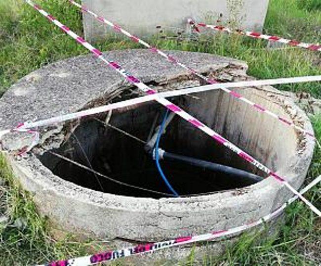 Tragedia sfiorata a Livorno: bimba cade in una cisterna d'acqua, uomo si immerge per salvarla
