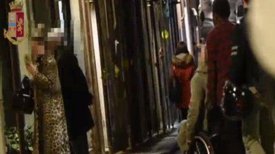 Firenze, per anni si finge paraplegico ma in realtà cammina senza problemi: arrestato