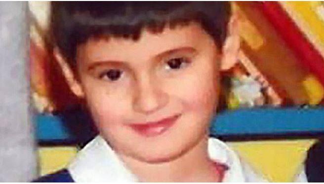 Francesco, morto a 7 anni per otite curata con omeopatia: chiesta condanna ai genitori
