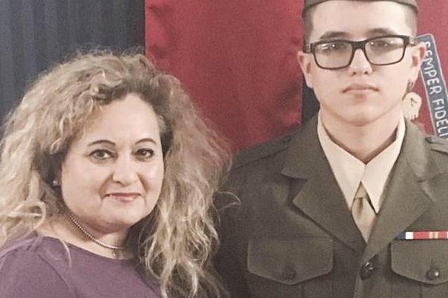 Sorprende il figlio 18enne a rubare in casa, lui la uccide tagliandole la gola: Mary aveva 53 anni