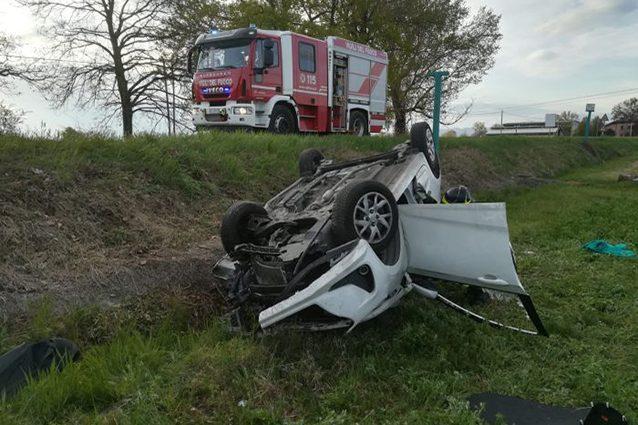 San Cesario sul Panaro, incidente all'alba: ragazza di 20 anni muore dopo scontro tra auto