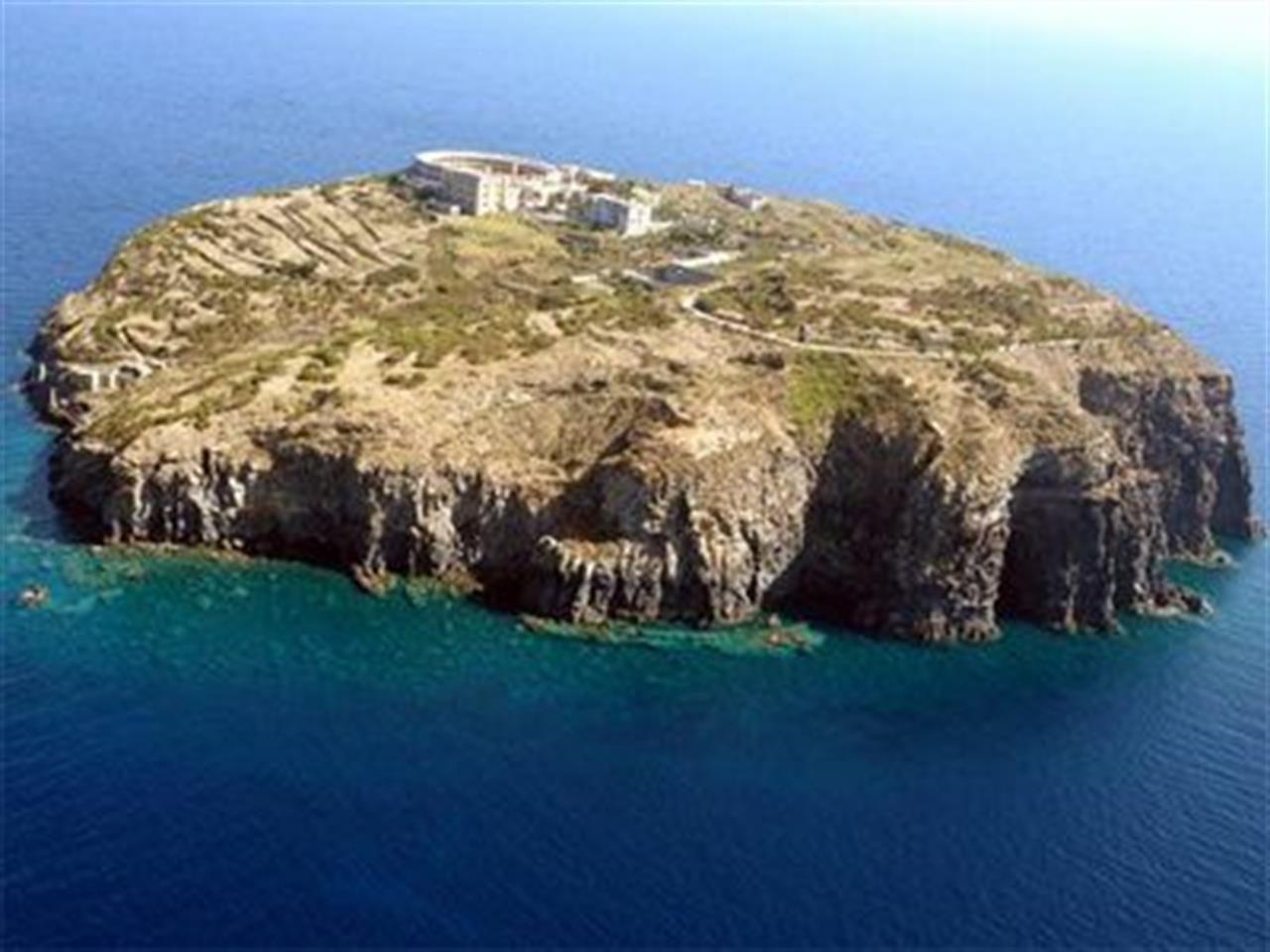Isole italiane vendesi: da Capo Passero a Santo Stefano, dove fu prigioniero Pertini