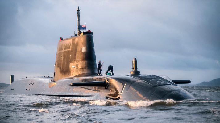 Inghilterra, allarme bomba a bordo di un sommergibile nucleare: evacuato l'equipaggio