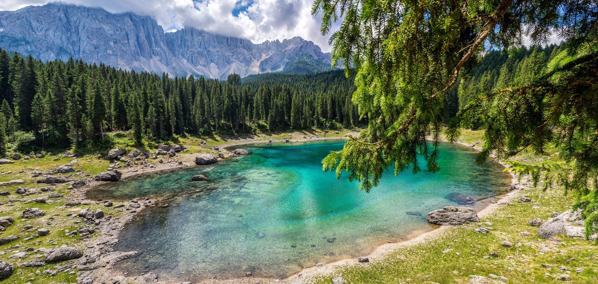 Il magico lago di Carezza in Trentino