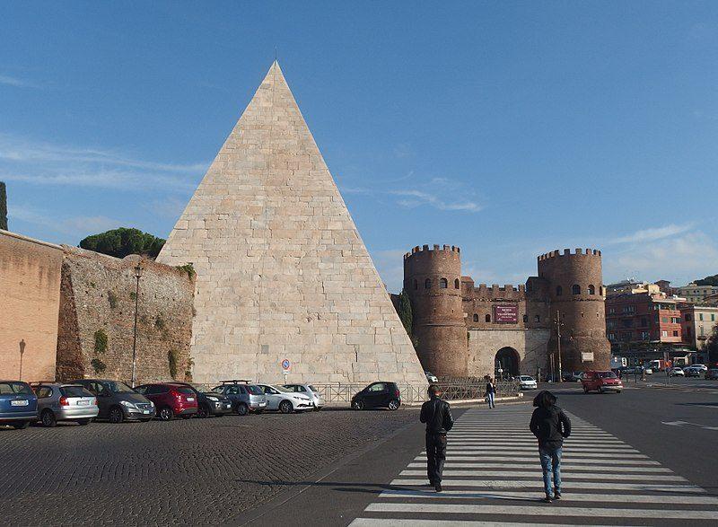 Piramide Cestia: un monumento misterioso di Roma
