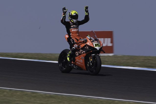 Superbike, ad Aragon Bautista e Ducati dominano Gara-1: sul podio anche Rea e Davies