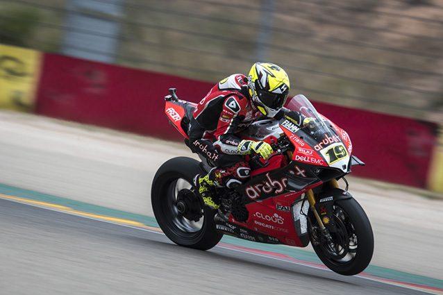 Superbike, Bautista-Ducati da record: tripletta ad Aragon e primato di Hodgson eguagliato
