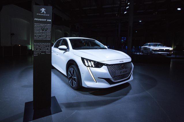 Elettrica e prenotabile online, la nuova Peugeot e-208 protagonista alla Milano Design Week