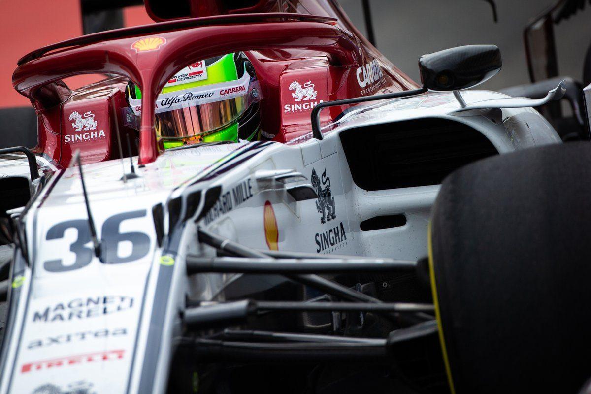 F1 Test Bahrain 2019, Day-2: Mick Schumacher prova l'Alfa Romeo Racing, sulla Ferrari c'è Vettel
