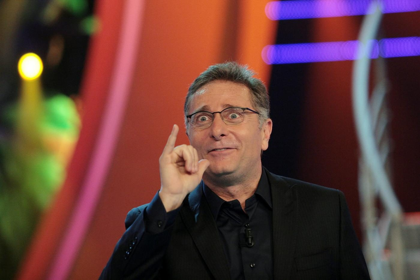 """Record stagionale per """"Ciao Darwin"""", Paolo Bonolis batte ancora """"La Corrida"""" di Carlo Conti"""