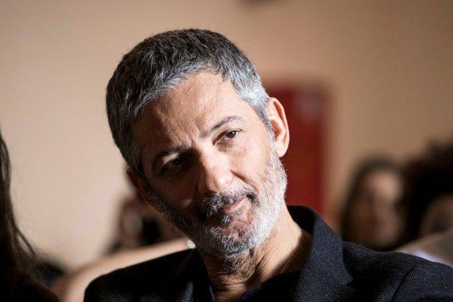"""Fiorello commosso: """"Mio padre morì mentre ero a Sanremo 1990, lo seppi al telefono"""""""