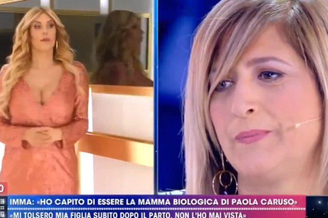 Paola Caruso conosce la madre biologica in tv, il padre sarebbe un famoso calciatore del Catanzaro