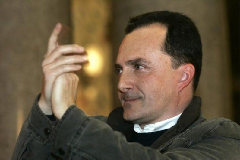 """Daniele Luttazzi tratta per il ritorno in Rai: """"Incontro con Carlo Freccero"""""""