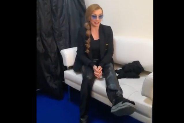 """Milly Carlucci ha avuto un infortunio: """"Frattura del piede, ne avrò per sei settimane"""""""