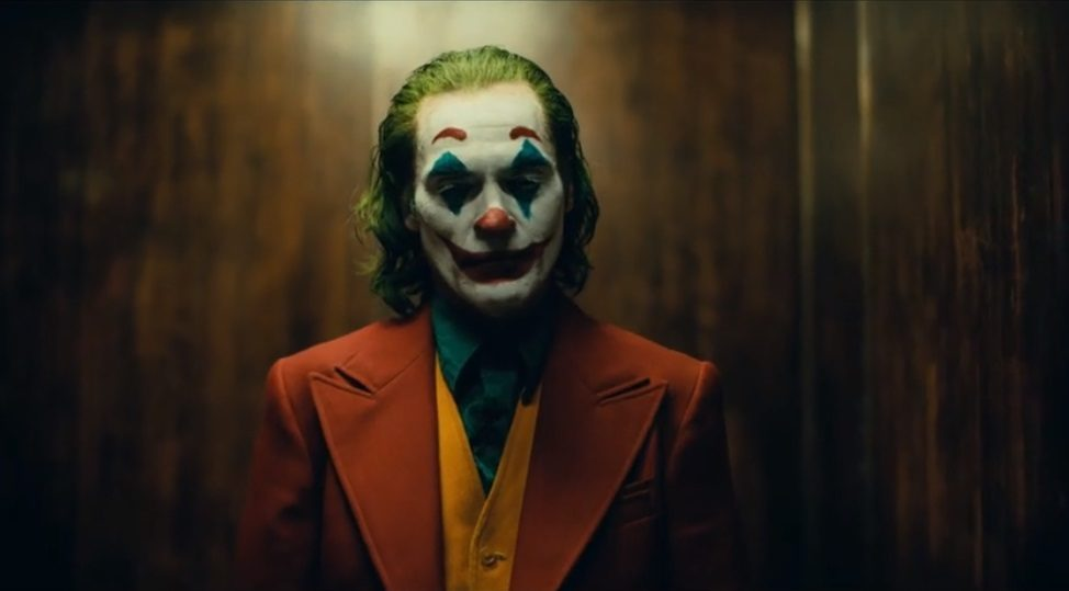 Joker, il primo trailer: Joaquin Phoenix promette una performance da Oscar