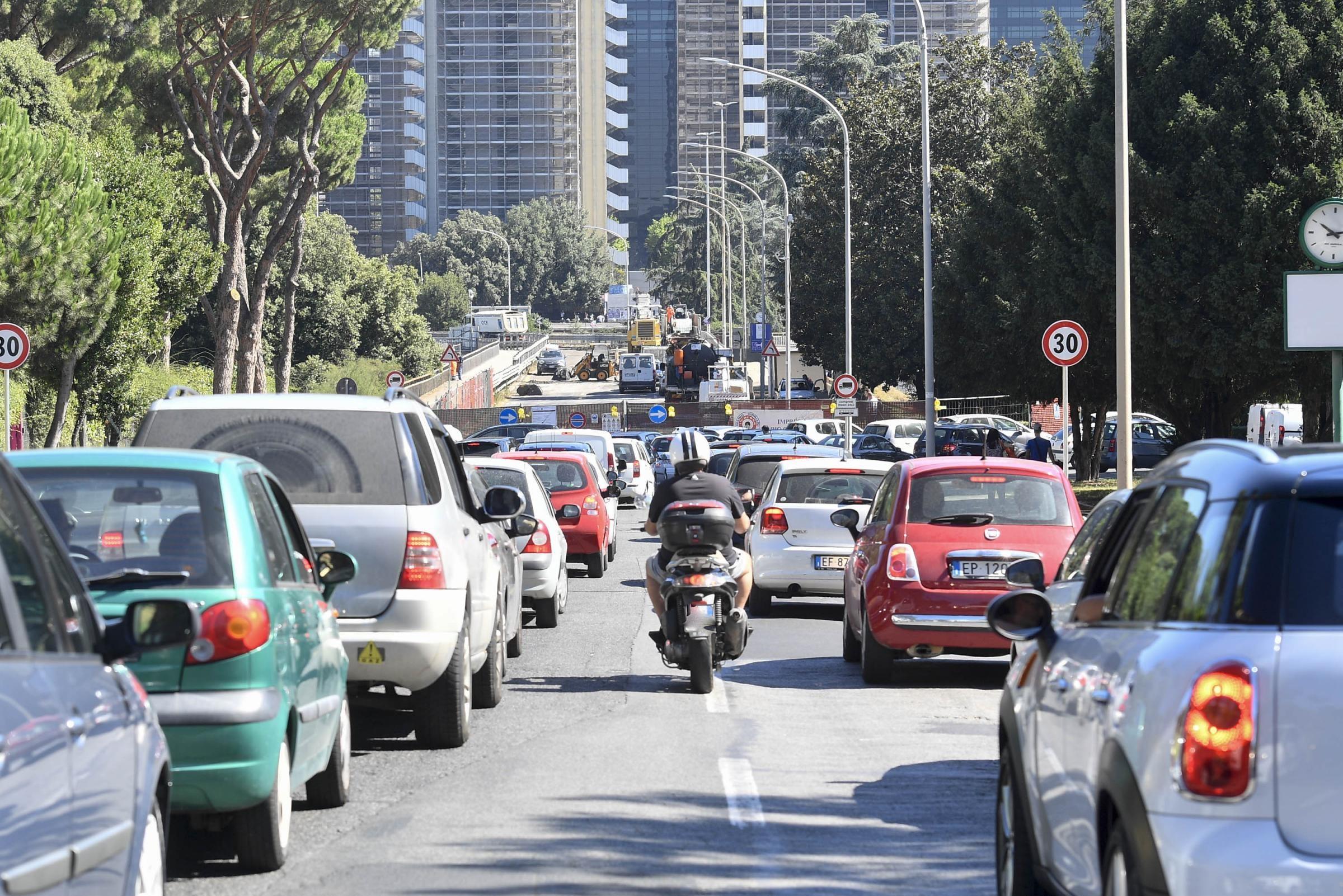Roma, chiusure per la Formula E: traffico completamente bloccato