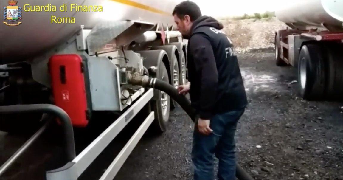 Sequestrati 120.000 litri di gasolio di contrabbando diretto al mercato dei carburanti low cost