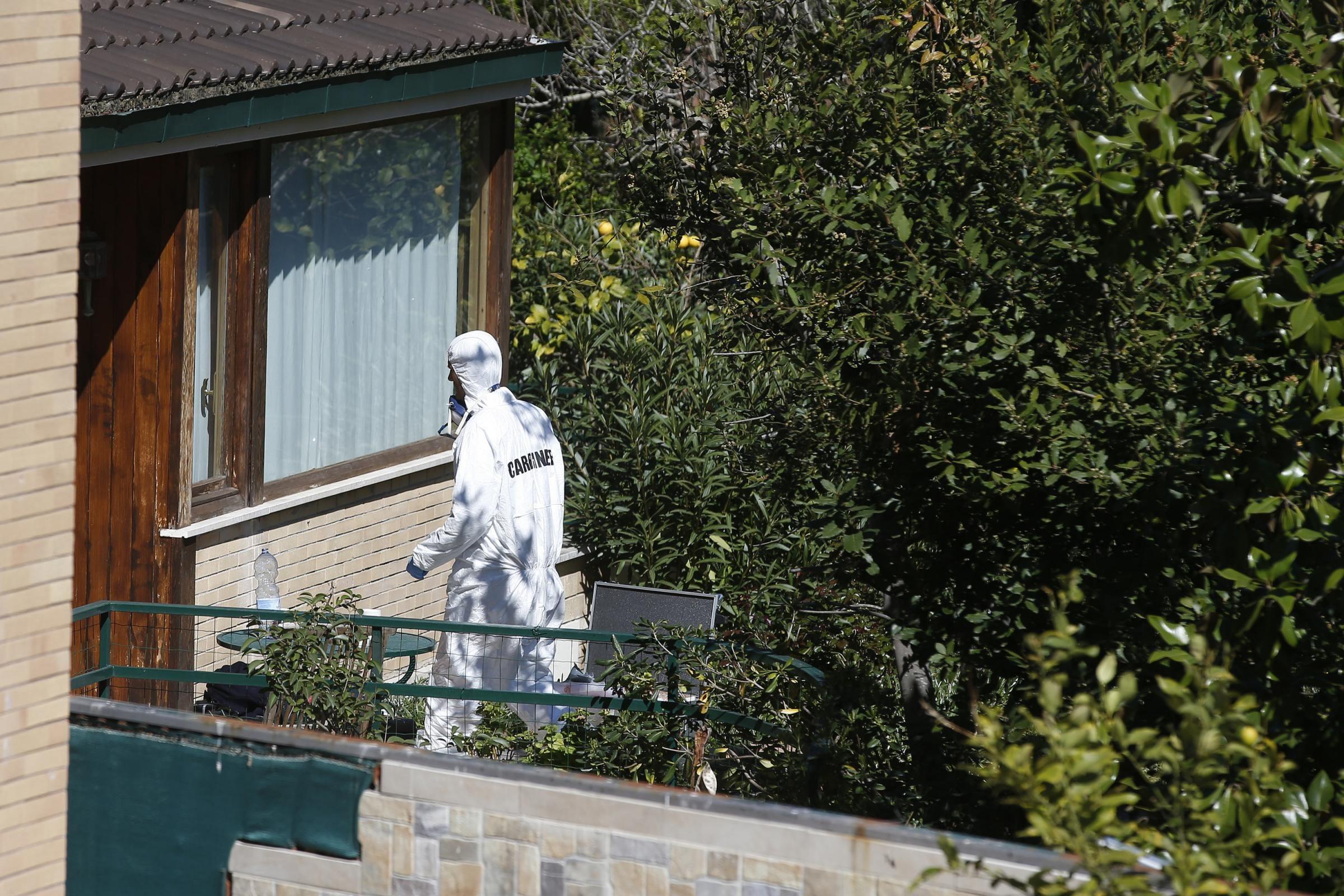 Casal Palocco, uccide la madre con 50 coltellate e mura il corpo: condannato a 14 anni di carcere