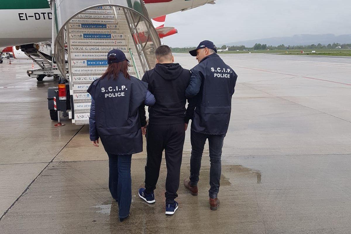 Importava cocaina dalla Colombia a Brescia: estradato 32enne, capo di una banda di trafficanti