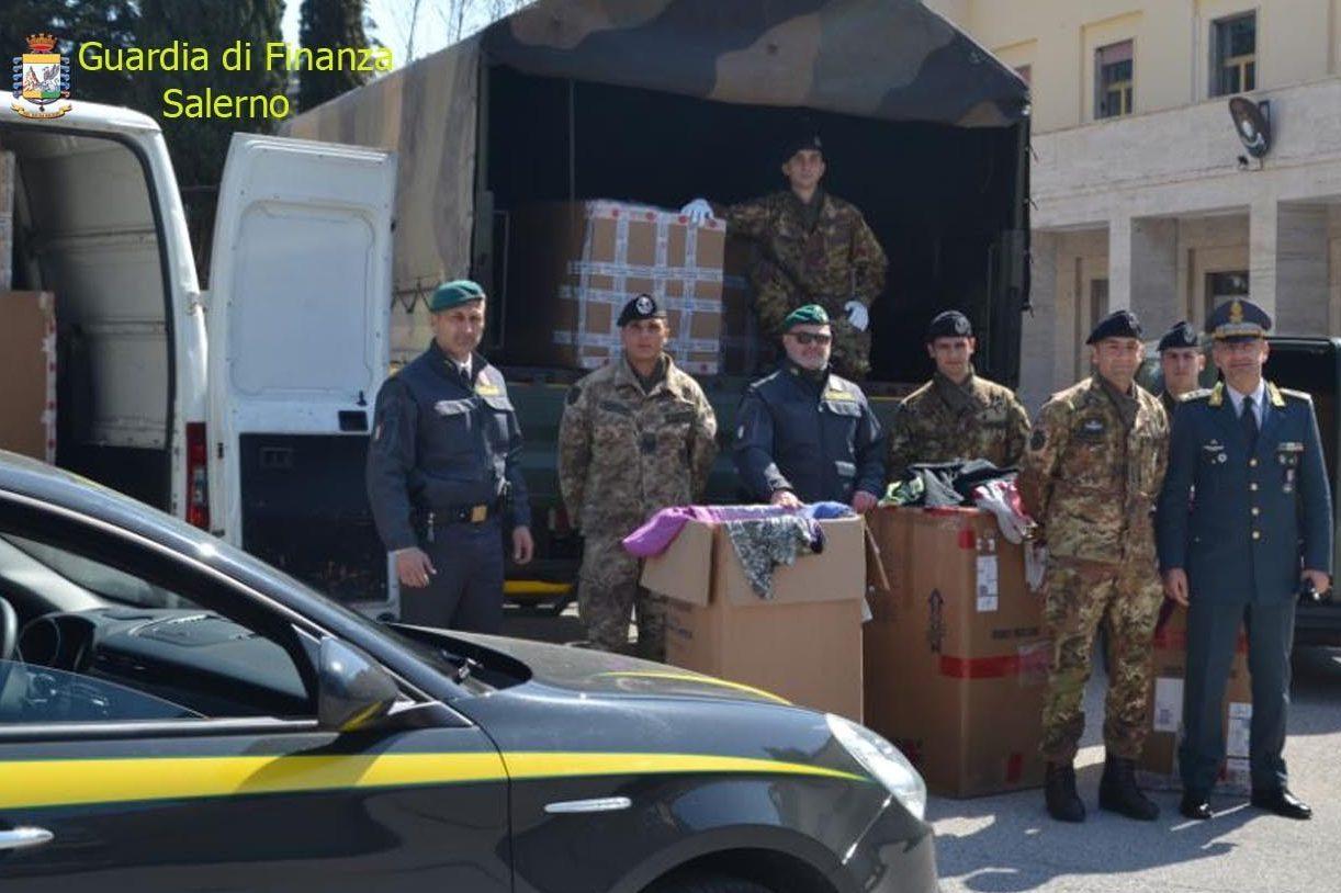 La Guardia di Finanza dona alle famiglie del Libano i vestiti sequestrati a Salerno