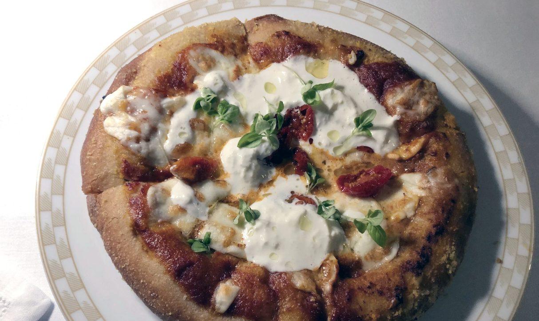 Carlo Cracco a Milano fa pagare una pizza 20 euro. A Napoli con quei soldi mangiano in due