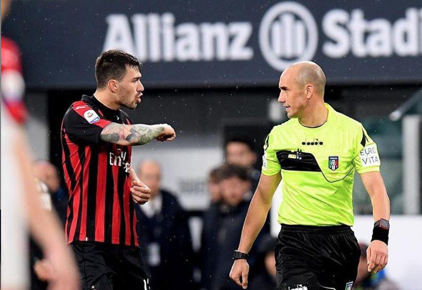 """Romagnoli, foto con l'arbitro Fabbri su Instagram: """"Tiriamo fuori orgoglio e rabbia"""""""